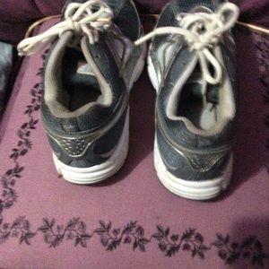 Nike Shoes - Like new Nike running  sneakers